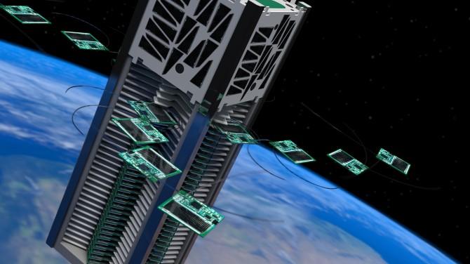 메이슨 펙 미국 코넬대 교수팀이 개발한 칩 형태의 초소형 위성 '칩샛(ChipSat)'(작은 사진). 칩샛은 가로세로 3.2㎝인 얇은 칩 위에 태양전지와 위성제어장치, 각종 관측용 센서 등을 탑재하고 있다. 연구진은 올해 중 칩샛 104개를 이보다 큰 위성 '킥샛(KickSat) 2호'에 실어 우주에 올린 뒤 지구 궤도에서 방출할 계획이다. - Zachary Manchester 제공